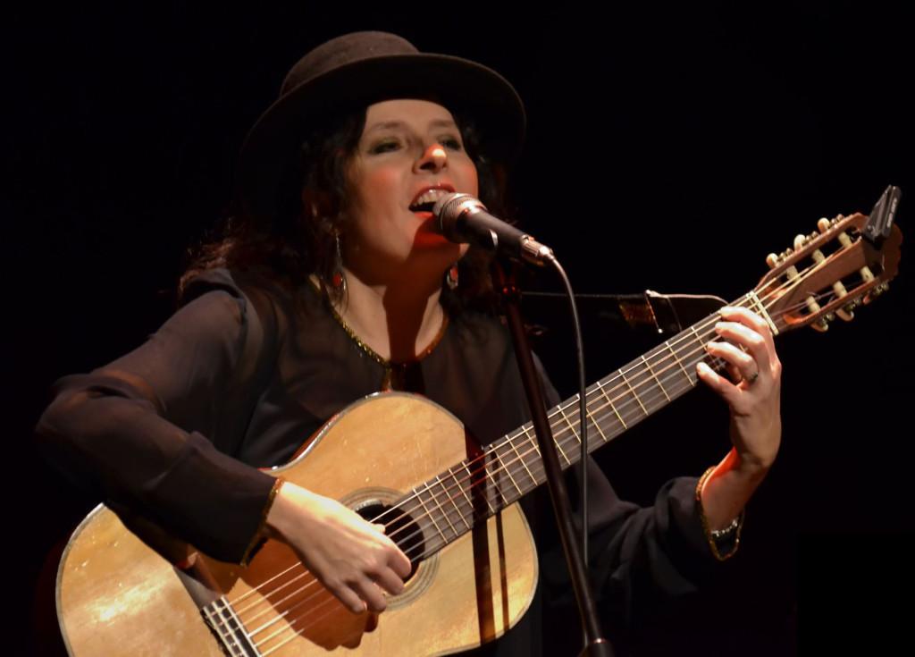 Anna Riverio
