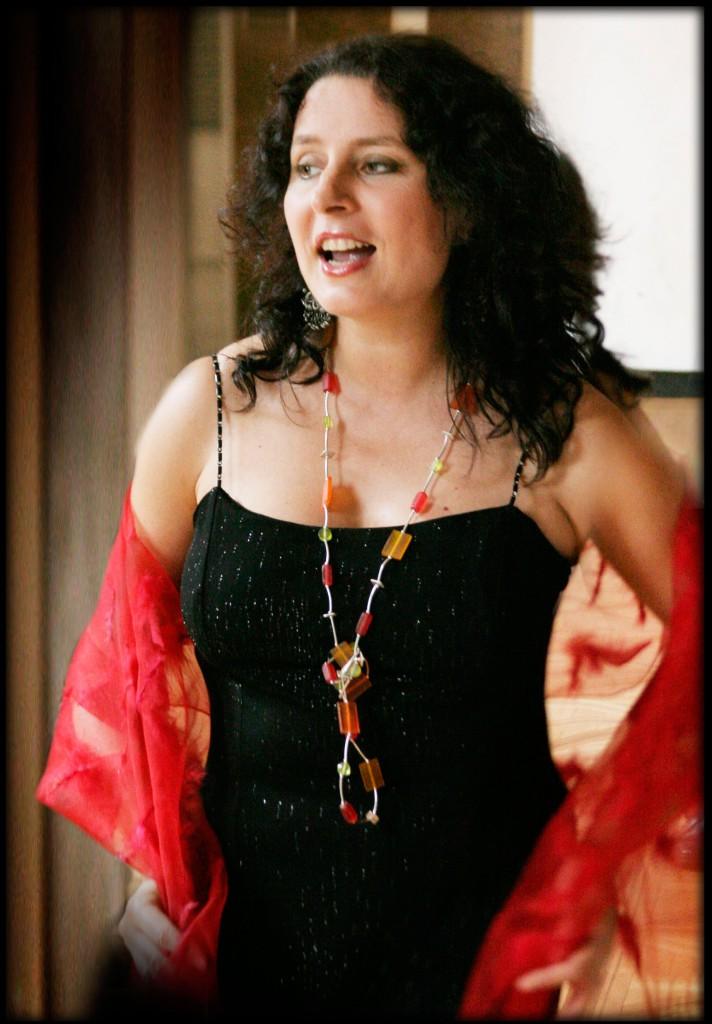 Anna Riveiro-vocal